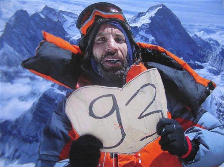 """Un tocard sur le toit du monde  Lattès, 2010    Nadir Dendoune  Vainqueur de l'Everest et inspirateur du film """"L'Ascension"""" diffusé pendant le festival (voir programme)"""